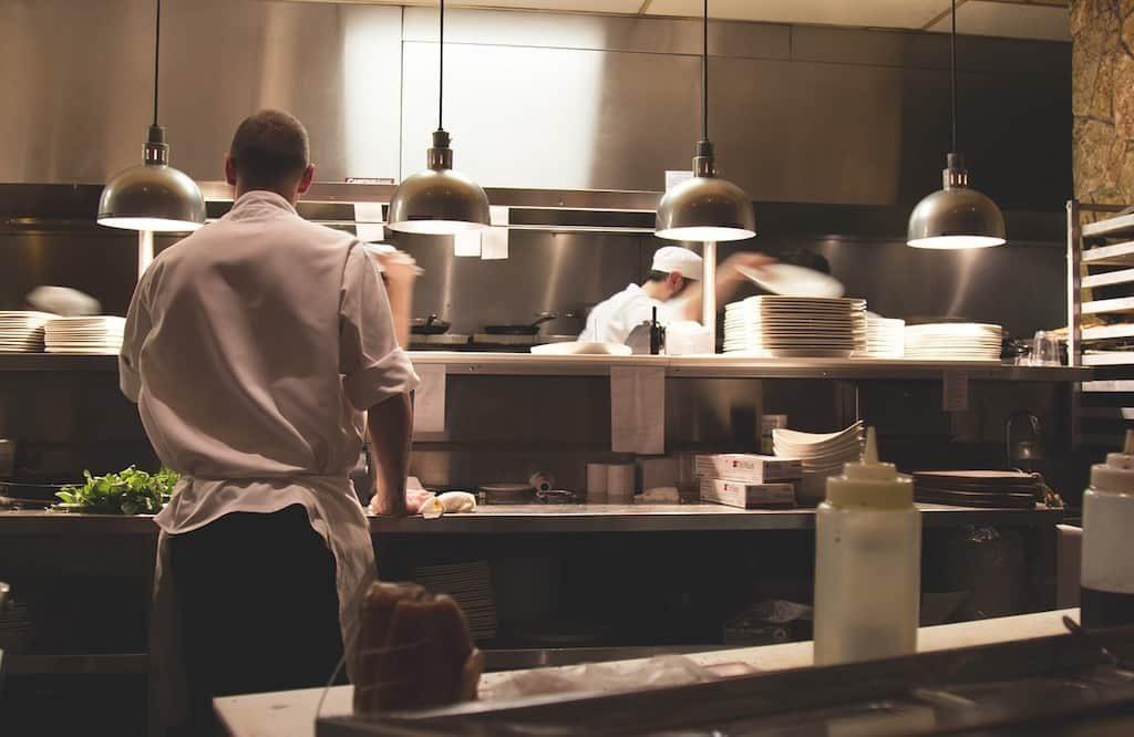 Reinigung der Küche in Restaurants